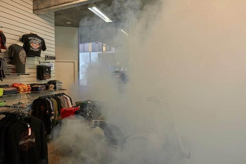 Mgła bezpieczeństwa ukrywa drogie kurtki Harley-Davidson